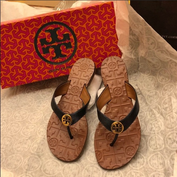 cab517ab4469 ✨Tory Burch Thora Thong Sandals Color Black Gold